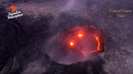 Il vulcano che ride, spettacolo incredibile durante l'eruzione