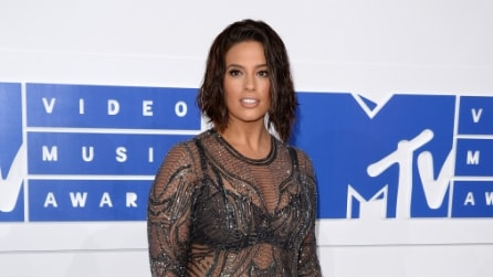 Il sexy abito trasparente di Ashley Graham agli MTV Video Music Awards 2016