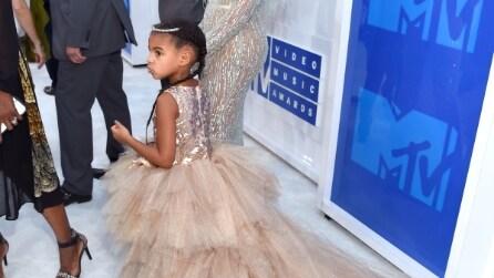 L'abito da 12mila dollari di Blue Ivy agli Mtv VMA 2016