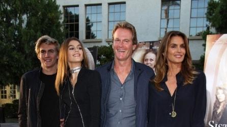 Cindy Crawford in compagnia della famiglia: sono tutti bellissimi