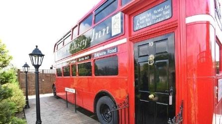 Da vecchio autobus a hotel di lusso: ecco la trasformazione