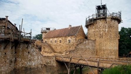 Francia, quasi ultimato il castello costruito con le tecnologie del 13esimo secolo