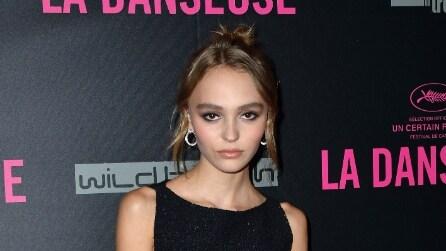 """Il look di Lily-Rose Depp alla prima del suo film """"La Danseuse"""""""