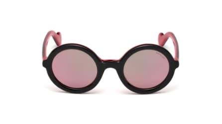 Moncler Lunettes: la linea di occhiali da sole dal gusto retrò