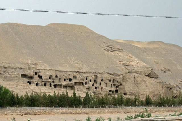 https://commons.wikimedia.org/wiki/File:Mogao_Caves_Exterior_And_Chambers.jpeg