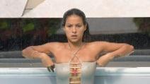 Mariana Rodriguez hot, un bagno sexy per la più bella della casa del Gf Vip