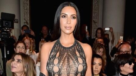 Il nude look di Kim Kardashian