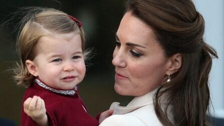 """Il look """"canadese"""" della principessa Charlotte"""