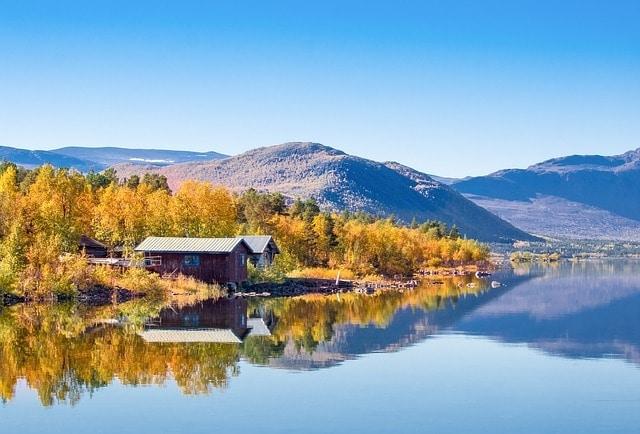 https://pixabay.com/en/bj%C3%B6rkudden-lapland-autumn-532047/