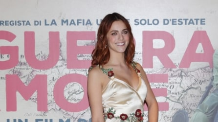 Miriam Leone in versione dea sul red carpet del Festival del Cinema di Roma