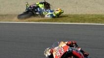 MotoGp Giappone, la caduta di Valentino Rossi in gara