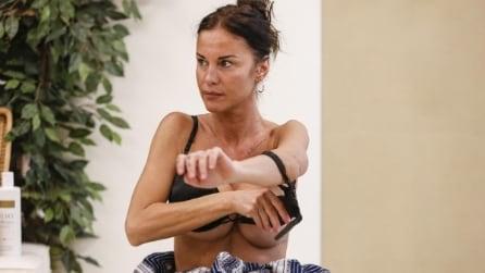 Il fuori di seno di Antonella Mosetti al GF Vip è hot