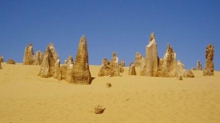 Deserto dei Pinnacoli: spettacolari colonne di roccia in Australia