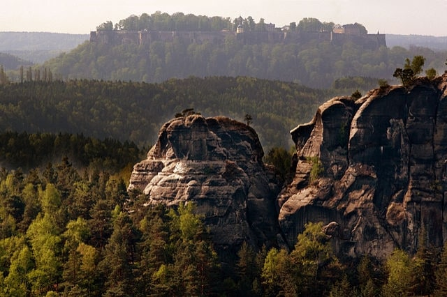 https://commons.wikimedia.org/wiki/File:Koenigstein-Saxon_Switzerland(js)1.jpg