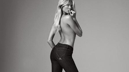Pantaloni e jeans a zampa per l'inverno 2016-2017