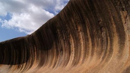 Wave Rock, un'incredibile roccia a forma di onda