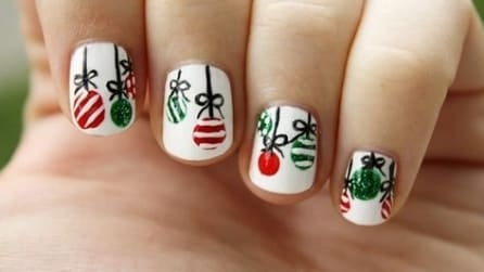 Christmas ball nail art