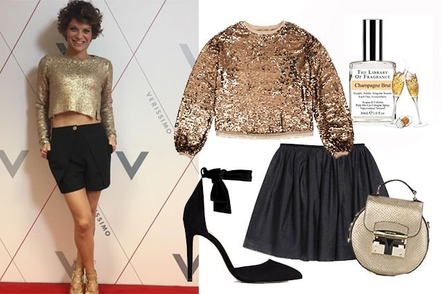 Felpa con paillettes gold Asos, gonna in tulle Primark, borsa Cromia, scarpe Aldo, profumo Library of Fragrance