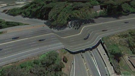 Luoghi distorti e deformati nel mondo: gli errori di Google Earth