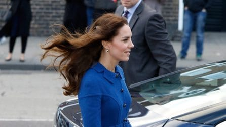Kate Middleton, bella anche con le mollettine tra i capelli