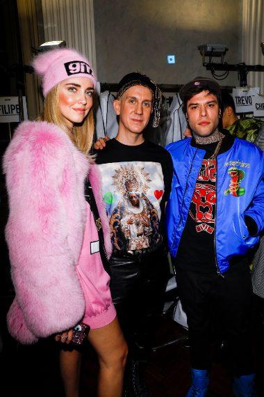 Jeremy Scott con Chiara Ferragni e Fedez nel Backstage di Moschino