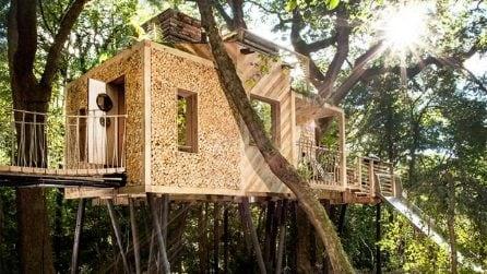 Nella casa sull'albero più lussuosa che abbiate mai visto
