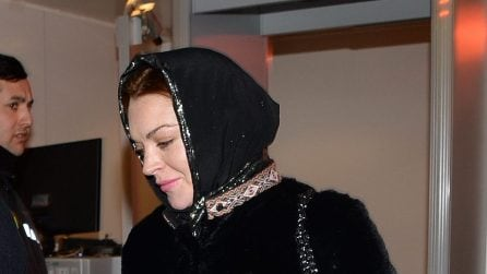 Lindsay Lohan con il velo in visita a Istanbul