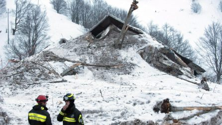 Hotel Rigopiano, la distruzione vista da vicino