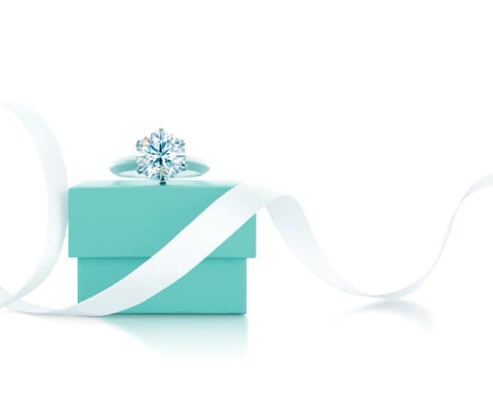 La confezione Tiffany&Co. per l'anello di fidanzamento