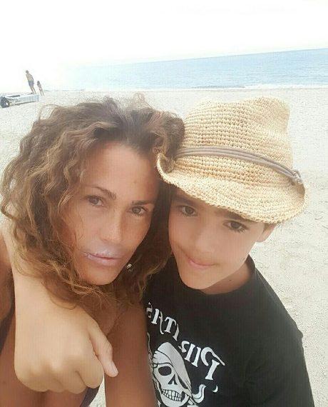 Samantha con suo figlio Brando