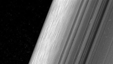 Le meravigliose e inedite immagini degli anelli di Saturno