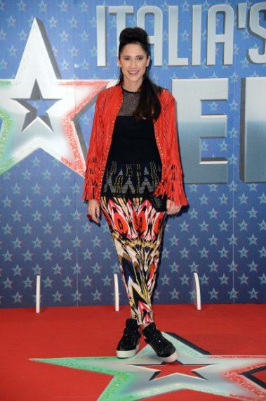 Il look casual al photocall del programma Italia's Got Talent nel 2016