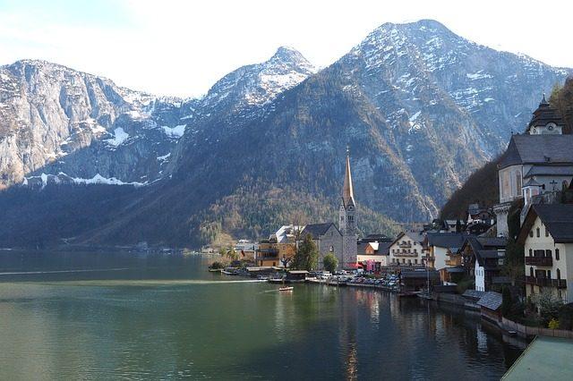 https://pixabay.com/en/bad-goisern-lake-hallstatt-845738/