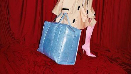 La shopping bag Balenciaga ispirata alla maxi-busta Ikea