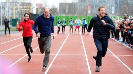 Kate Middleton corre in leggings e piumino