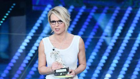 Gli abiti di Maria De Filippi al Festival di Sanremo 2017