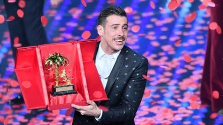 Francesco Gabbani vince Sanremo 2017: le lacrime di gioia durante la premiazione