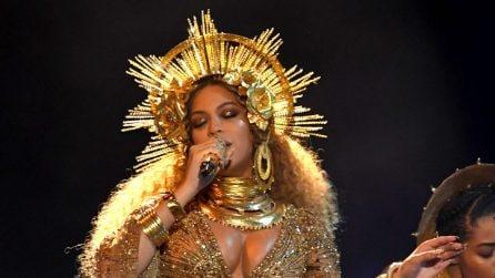 Beyoncé con il pancione ai Grammy Awards