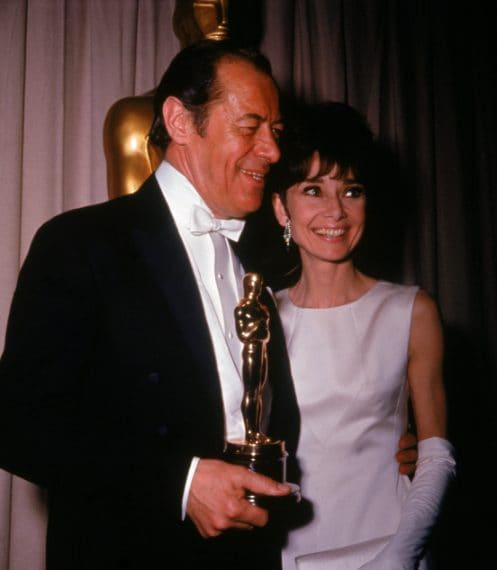 """Rex Harrison vince il premio come miglior attore per """"My Fair Lady"""""""