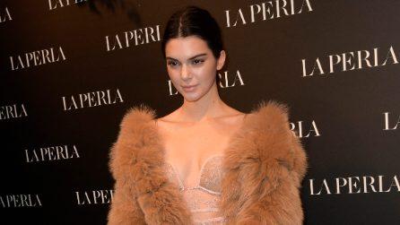 Kendall Jenner in pelliccia e lingerie