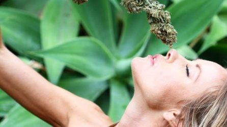 """Donne e marijuana: le """"Weed Models"""" sono delle star dei social"""