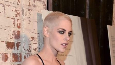 Kristen Stewart con i capelli rasati