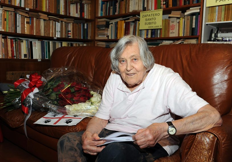 E' stata una famosa astrofisica, divulgatrice scientifica italiana e membro delle più prestigiose società fisiche e astronomiche