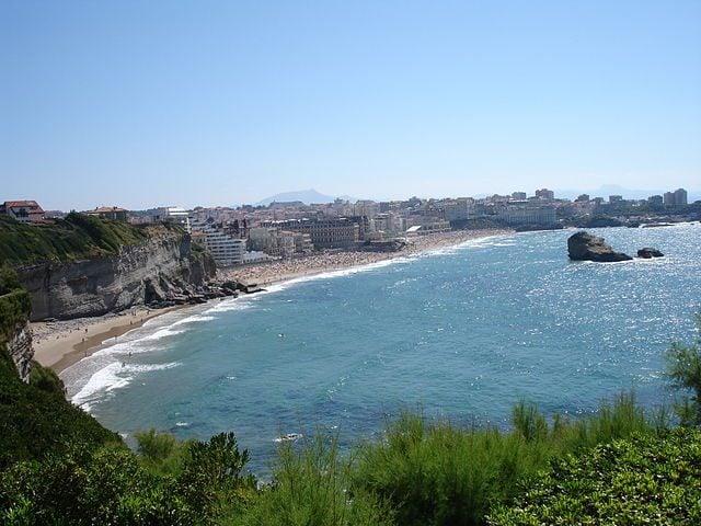 https://commons.wikimedia.org/wiki/File:France-Biarritz-2005-08-05.jpg