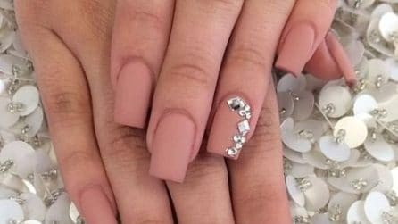 Crystal touch manicure