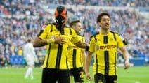 Aubameyang segna allo Schalke ed esulta con la maschera