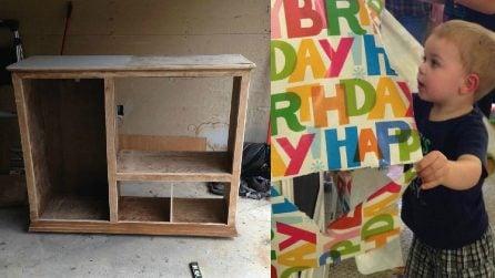I genitori rimettono a nuovo un vecchio mobile: regalo stupendo per il bimbo