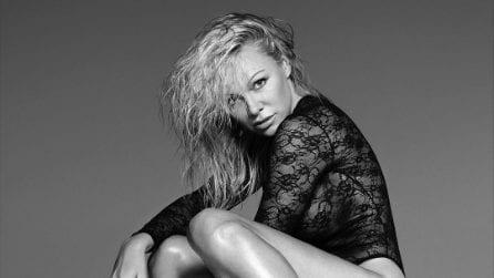 Pamela Anderson, a quasi 50 anni è più sexy che mai