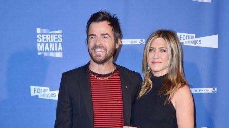 Jennifer Aniston e il look ispirato a Maria De Filippi