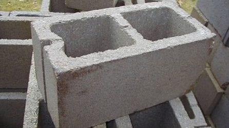 Acquista dei mattoni e li usa per l'arredamento di casa: 15 idee geniali